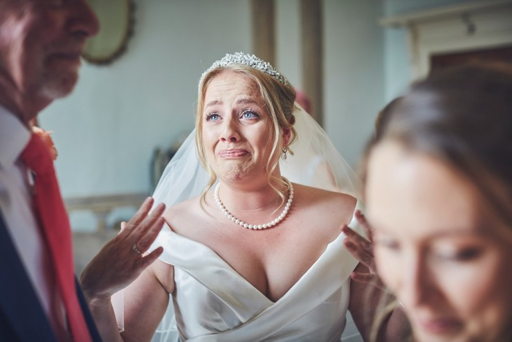 relaxed wedding photography of a wedding in devon