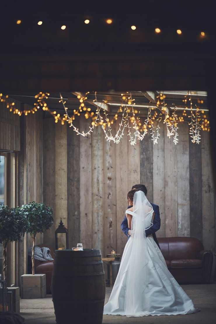 the barn at south Milton winter wedding photography